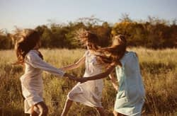 friends-frindship-hair-nature-summer-wind-Favim.com-69953