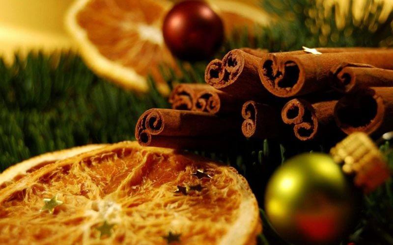 Kalėdų jaukumui: 5 nepakartojami eteriniai aliejai